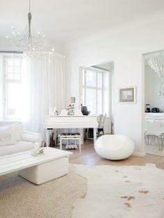 Eero Aarnion Pastilli-tuoli on varsinainen hyvän mielen tuoja. Valoa ruutuikkunoissa | Koti ja keittiö