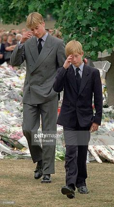 September 05, 1997: Princes William and Harry had viewed the sea of floral tributes to their late mother, Diana Princess of Wales (July 01, 1961 - August 31, 1997, rest in peace)..