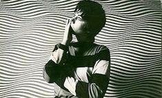 RETRO KIMMER'S BLOG: BRIDGET RILEY AMAZING INVENTOR OF OP ART Bridget Riley Op Art, Gouache Color, Pop Rock Music, Black And White Portraits, Land Art, Pop Art, Drawings, Artwork, Crime