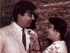 Sunil Dutt and Nargis Sunil Dutt, Vintage Bollywood, Muslim Girls, Old World Charm, Bollywood Stars, Beautiful Saree, Indian Actresses, Couple Goals, The Past