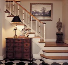 Use walls on the stairs as a focal point of interest.