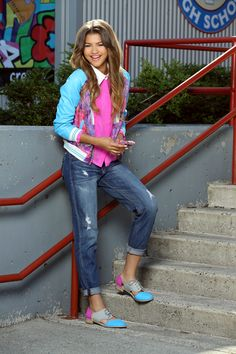 Zendaya's Coolest Fashion Moments in 'Zapped' ..... I love the shoes!
