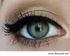 Gorgeous gold rimmed eyes - BeaLady.net