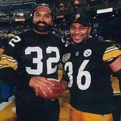 Franco Harris and Jerome Bettis of the Pittsburgh Steelers. Pittsburgh Steelers Players, Steelers Pics, Pittsburgh Sports, Nfl Football, Steelers Stuff, Steelers Helmet, Football Memes, Pitsburgh Steelers, Nfl Memes