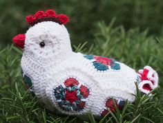 Ravelry: The Cheerful Chicken African Flower Crochet Animals, Crochet Birds, Crochet Animal Patterns, Cute Crochet, Crochet For Kids, Amigurumi Patterns, Crochet Crafts, Crochet Dolls, Crochet Flowers