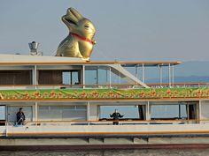Gold Bunny (Goldhase) advertisement on the Zürichsee-Schifffahrtsgesellschaft (ZSG) ship Wädenswil in Zürich