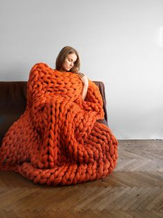 Ohhio's Grande Punto blankets. Chunky blanket. Giant knit. Cozy throw. 23 microns merino wool.