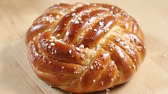 Winston Brot   Knoten aus Hefeteig flechten