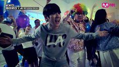 EXO's Baekhyun remakes DJ DOC's 'Dance with DOC' MV | http://www.allkpop.com/article/2014/09/exos-baekhyun-remakes-dj-docs-dance-with-doc-mv