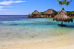 Photo Journey through France and Beyond : Roatan and Little French Key in Honduras. Part 1.