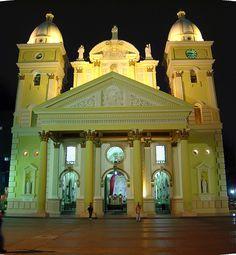 Basílica de la Virgen de Chiquinquirá Maracaibo - Estado Zulia