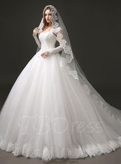 2018 Lace Ball Gown Wedding Dresses - Plus Size Dresses for Wedding Guest Check more at http://svesty.com/lace-ball-gown-wedding-dresses/