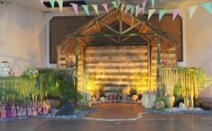 Get some inspiration on how to throw a Filipino-themed party! 60th Birthday Ideas For Mom, Mom Birthday, Fiesta Theme Party, Party Themes, Themed Parties, Paskong Pinoy, Filipiniana Wedding Theme, Christmas Backdrops, Christmas Decor
