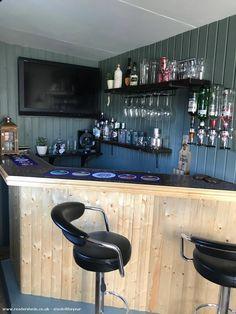 Home Bar Rooms, Diy Home Bar, Modern Home Bar, Home Pub, Home Bar Decor, Bars For Home, Man Cave Garage, Garage Bar, Garage Ideas