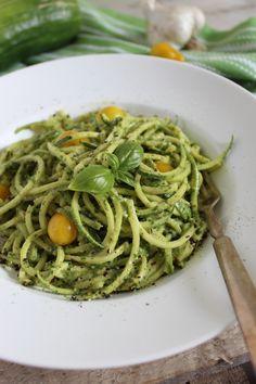 10-Minute Zucchini Pasta With Vegan Cashew Basil Pesto #fastrecipes #easyrecipes #quickrecipes