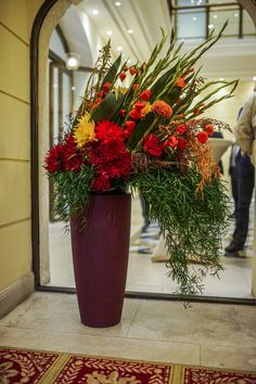 Bank of China RNB Clearing Center Opening Ceremony - Budapest 2015 Opening Ceremony, Flower Decorations, Budapest, Christmas Wreaths, China, Holiday Decor, Flowers, Plants, Home Decor