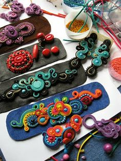 ArtAnnyR soutache jewelry - she has some beautiful pieces on her site Soutache Bracelet, Soutache Jewelry, Beaded Jewelry, Textile Jewelry, Fabric Jewelry, Leather Jewelry, Leather Craft, Soutache Tutorial, Do It Yourself Jewelry
