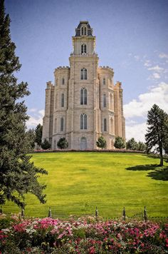 lds temples | Tumblr (I think I've been here.)  Yeah, it's the Manti temple.