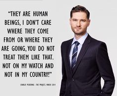 What a champion... Good one mate! @Charlie Pickering   #auspol #asylumSeekers pic.twitter.com/bNj1RD4Pv1