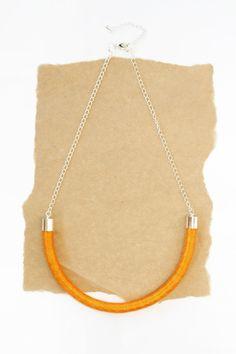 Cotone avvolto corda collana  Orange di HearsayDesigns su Etsy, $36.00/€23,89