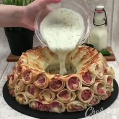 Cheese and ham backed toast rolls Appetizer Recipes, Dessert Recipes, Tasty Videos, Food Tags, Snacks Für Party, Food Platters, Creative Food, Food Design, Food Presentation