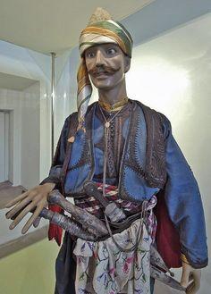 Costume of a popular militia warrior from the Marmara Region.  19th & early 20th century. Related to the dresses of Zeybek and Başıbozuk.  Photographer/copyright: Dick Osseman. To see more of the Bursa Etnografya Müzesi: http://www.pbase.com/dosseman/bursaislamic