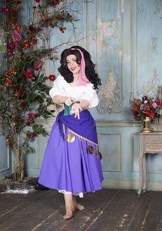 Esmeralda Cosplay - Halloween costume for Adult - The Hunchback of Notre Dame. Disney Halloween Costumes, Halloween Outfits, Adult Costumes, Halloween 2018, Halloween Makeup, Esmeralda Cosplay, Disney Outfits, Notre Dame, Dress Up