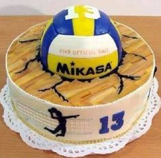 Amazing idea for a volleyball player birthday cake. Best Picture For Volleyball Pl Volleyball Birthday Cakes, Volleyball Cupcakes, Volleyball Party, Volleyball Gifts, Volleyball Players, Volleyball Ideas, Volleyball Drills, Volleyball Quotes, Coaching Volleyball