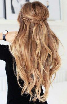 Beautiful blonde wavy hair!Highlights half up half down wavy hair