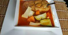 Fabulosa receta para Chiles rellenos de queso, en caldillo con verduras. Esta receta la vi en Cookpad, de Claudia, compartiendo sazón. Gracias!!! Le hice algunos pequeños cambios.  Deliciosos!!!