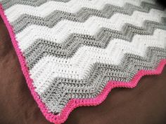 CHEVRON BABY BLANKET : white and grey chevron crochet baby blanket with raspberry pink edge
