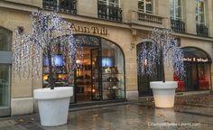 Champs Elysees Paris, Vitrines & Façades de Noël 2014  Ann Tuil Champs Elysees Noel 2014  More: http://www.champselysees-paris.com/  Instagram: http://instagram.com/champselysees_paris