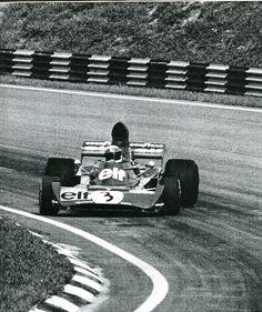 Jackie Stewart - Tyrrell-Ford - Grand prix du Brésil 1973 - L'automobile Mars 1973