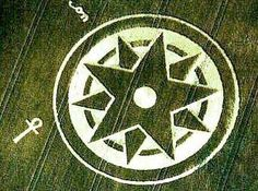 """CROP CIRCLE: is this Lucifer-Satan Pentagrams symbol surrounded by the magic circle, which provides an origin for the Masonic Ring symbol that is just apparently a disguised Pentagram with both the """"Good"""" and """"Evil"""" stars represented? Thus, is this crop circle a warning?"""