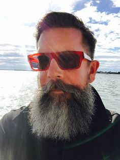 Visit Ratemybeard.se and check out Enjoying the sun! - http://ratemybeard.se/enjoying-the-sun/ - support #heartbeard - Don't forget to vote, comment and please share this with your friends.