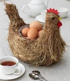 Unusual Design of Ordinary Things pics) Diy And Crafts, Crafts For Kids, Hand Crafts, Baby Quiet Book, Chicken Crafts, Chickens And Roosters, Down On The Farm, Diy Recycle, Rooms Home Decor