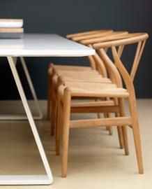 Bermuda table with Wegner chairs