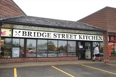 Restaurant Review: Bridge Street Kitchen - A diner that hums with the realities of life.
