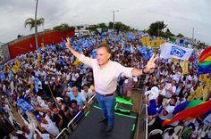 #Xalapa ¡¡Y…ARRANCAN!! Seis destacados caballeros y una dama en busca de la mini gubernatura de los dos años. Todos y cada uno de ellos con su estilo personal de hacer política de acuerdo a los lineamientos de sus propios partidos.