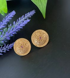 Antique matte gold finished stud Earrings / Statement earrings / Stud Earrings / Bollywood celebrity earring/ stud earrings Imitation Jewelry, Temple Jewellery, Matte Gold, Indian Jewelry, How To Look Pretty, Antique Gold, Necklace Set, Statement Earrings, Etsy Earrings