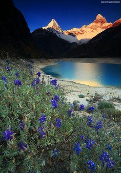 Cordiliera Blanca y Cordillera Negra en Ancash- Peru