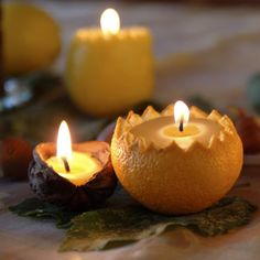 Beautiful walnut and orange candles. Can't wait to try this