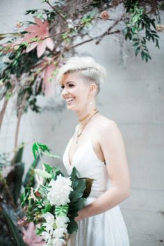 Stylish Tropical Wedding Inspiration in the Pacific Northwest | Ruffled