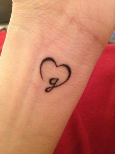 Tattoos For Daughters, Sister Tattoos, Friend Tattoos, Body Art Tattoos, Small Tattoos, Sleeve Tattoos, Tatoos, Tiny Heart Tattoos, Family Tattoos