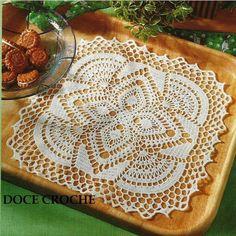napperon carré / both doilies and filet. Crochet Bedspread Pattern, Crochet Motifs, Crochet Cushions, Crochet Tablecloth, Crochet Squares, Thread Crochet, Filet Crochet, Crochet Doilies, Lace Patterns