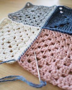 옆길로.... . . #핸드메이드#코바늘#손뜨개#소품#펠트#취미#소잉#아미구루미 #아얀의달빛작업실 #by아얀#손뜨개인형#손뜨개블랭킷#craft#crochting#crochetlove#instacrochet#crochetagram#amigurumi#crochetaddict#coffeetime by by_ahyane