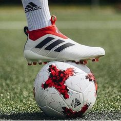 Ideal set up from @adidasfootball?