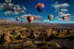 Best Free Hot Air Balloon Pictures & Stock Photos on Unsplash Balloon Wall, Hot Air Balloon, Balloons, 4k Photography, Balloon Pictures, Explorer, Outdoor Photos, Turkey Travel, Relaxing Music