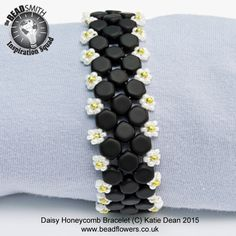 Use honeycomb beads and size 11 beads to make this cute bracelet. You will be working in Peyote stitch, with beaded clasp. Suitable for improvers and above.