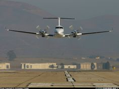 Raytheon King Air 350